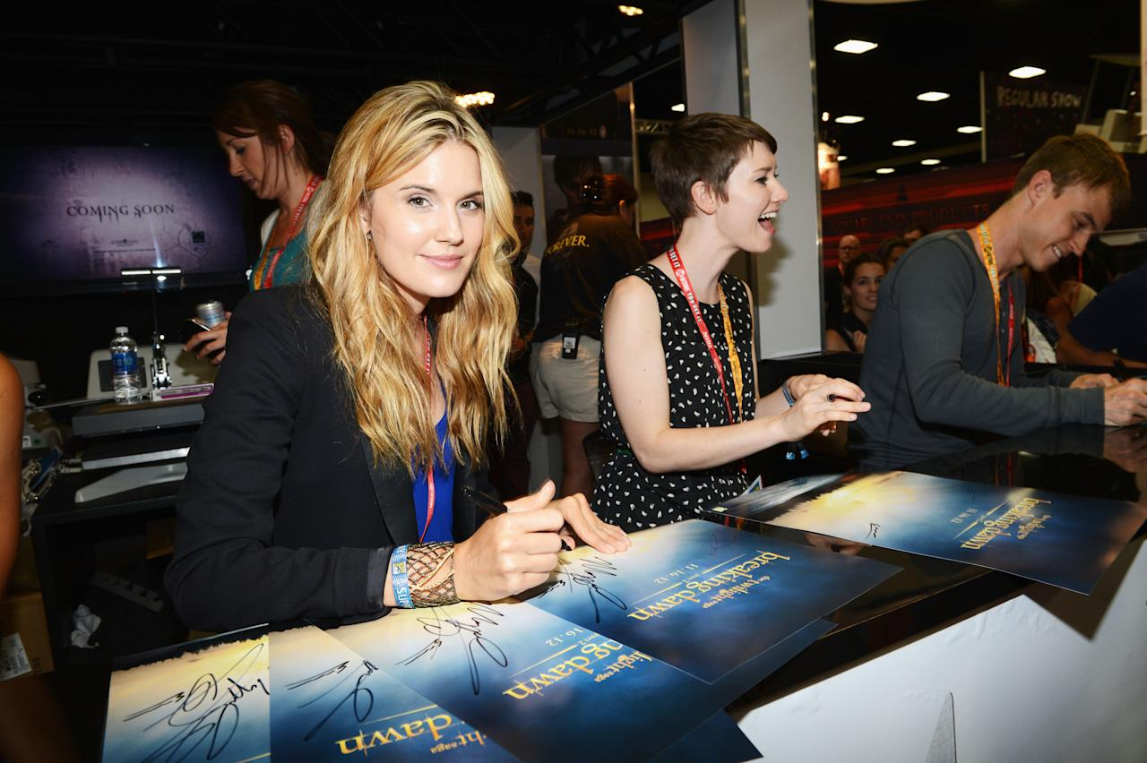 """SAN DIEGO, CA - JULY 12:  Actresses Maggie Grace (L) and Valorie Curry attend """"The Twilight Saga: Breaking Dawn Part 2"""" during Comic-Con International 2012 at San Diego Convention Center on July 12, 2012 in San Diego, California.  (Photo by Michael Buckner/Getty Images for Lionsgate)"""