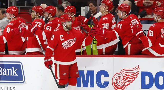 "<a class=""link rapid-noclick-resp"" href=""/nhl/players/2503/"" data-ylk=""slk:Henrik Zetterberg"">Henrik Zetterberg</a>'s absence will be felt with the <a class=""link rapid-noclick-resp"" href=""/nhl/teams/det"" data-ylk=""slk:Detroit Red Wings"">Detroit Red Wings</a>. (Paul Sancya/AP)"