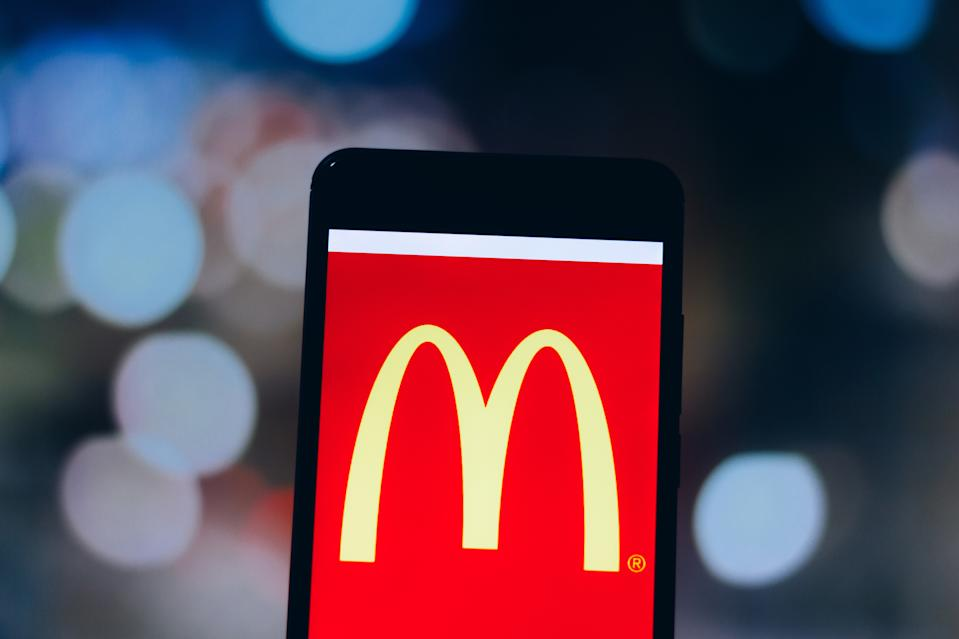BRAZIL - 2019/04/04: In this photo illustration a McDonald's Corporation logo seen displayed on a smartphone. (Photo Illustration by Rafael Henrique/SOPA Images/LightRocket via Getty Images)