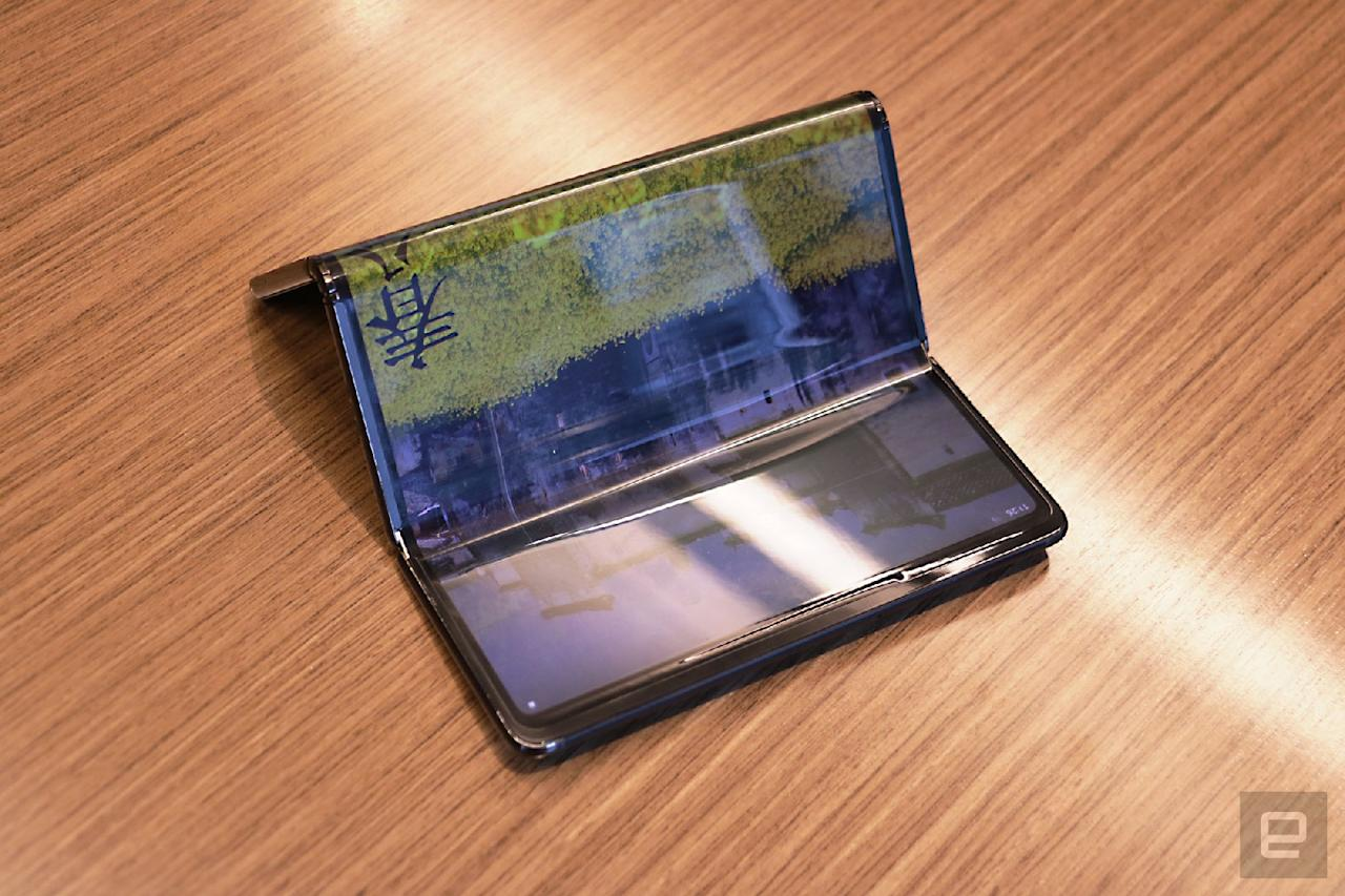 TCL tri-fold foldable tablet concept hands-on