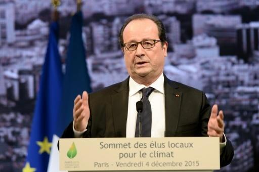 Hollande urges other parties to block far-right in election