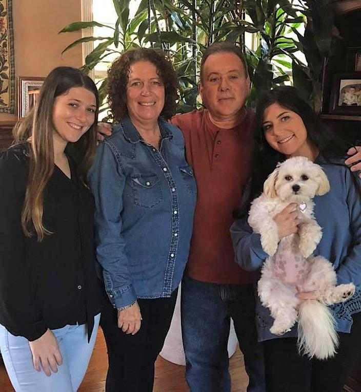 Saige, right, with her sister, Ivy, mother, Liz and father, Alan. (Courtesy of Saige Kratenstein)
