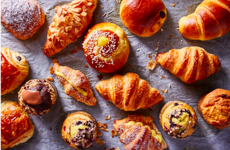 For breakfast, visitors can expect pastries like cornetti, which are similar to croissants.