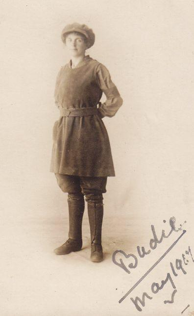 A Land Army worker from 1917. <em>Woman's Life </em>magazine offered patterns for making your own smock and breeches for work on the land.