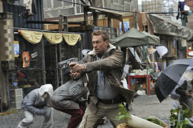 "Grant Bowler as Chief Lawkeeper Joshua Nolan in the ""Defiance"" epsiode, ""Past is Prologue."""