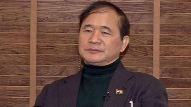 It was alleged that former Arunachal Pradesh CM Nabam Tuki, as minister of consumer affairs and civil supplies in 2003, had given 11 contracts to his family members including his brother which were worth Rs 20 crore.