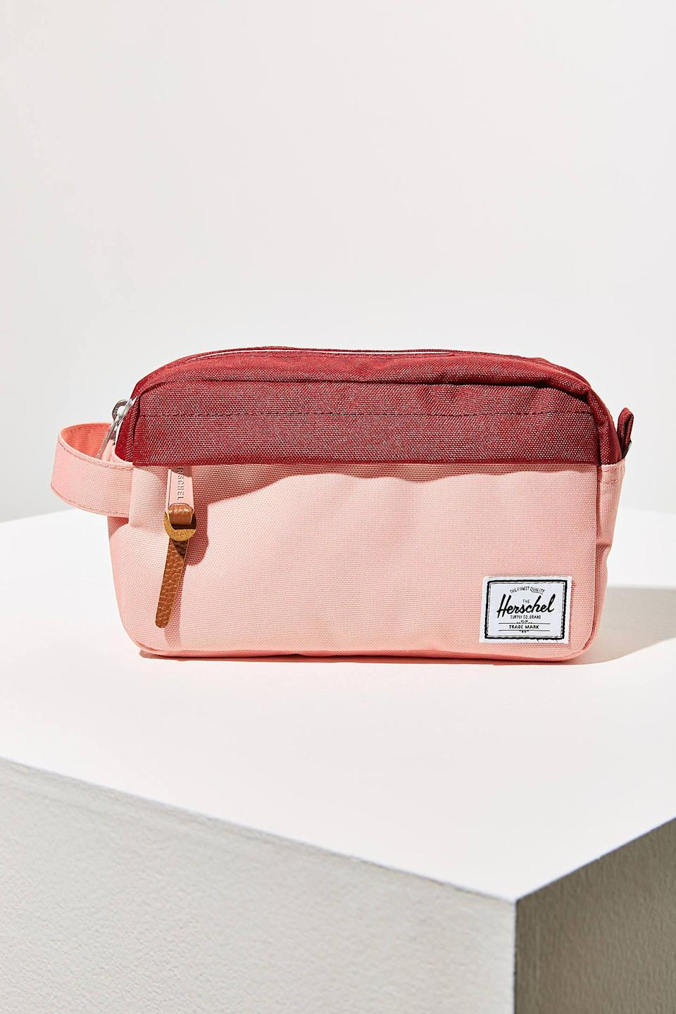 "<p><strong>Herschel Supply Co.</strong></p><p>urbanoutfitters.com</p><p><strong>$30.00</strong></p><p><a href=""https://go.redirectingat.com?id=74968X1596630&url=https%3A%2F%2Fwww.urbanoutfitters.com%2Fshop%2Fherschel-supply-co-chapter-carry-on-travel-kit&sref=https%3A%2F%2Fwww.womenshealthmag.com%2Fbeauty%2Fg32771189%2Fbest-makeup-bags%2F"" rel=""nofollow noopener"" target=""_blank"" data-ylk=""slk:Shop Now"" class=""link rapid-noclick-resp"">Shop Now</a></p><p>Known for their exceptional book bags, Herschel has your makeup storage needs covered too. This bag features zipper compartments throughout and a thick carrying strap for easier travel. </p>"