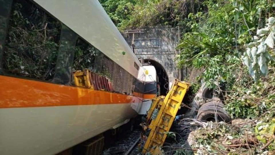 Taiwan train derails in tunnel, reportedly killing 36 people