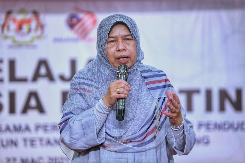 Housing and Local Government Minister Datuk Zuraida Kamaruddin said she firmly believes in freedom of assembly as enshrined in the Federal Constitution. — Picture by Ahmad Zamzahuri