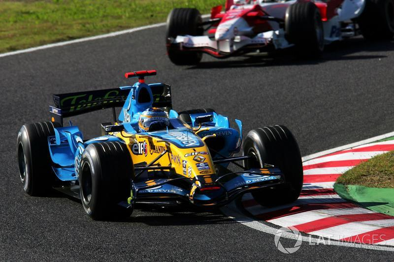 "Fernando Alonso, Renault R26<span class=""copyright"">Sutton Images</span>"