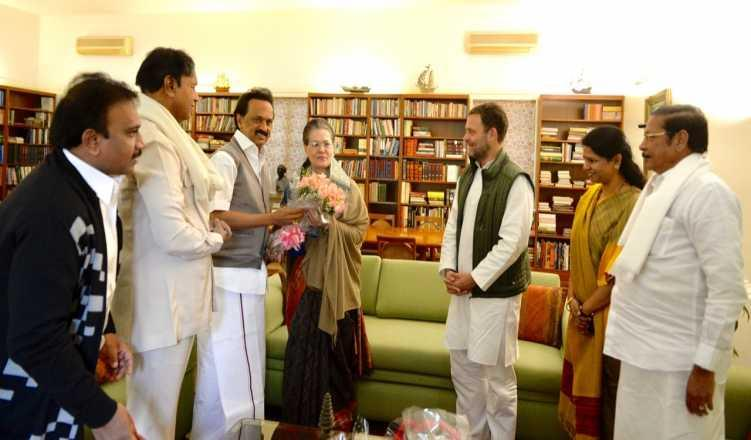Stalin in role to rope in KCR, Jagan