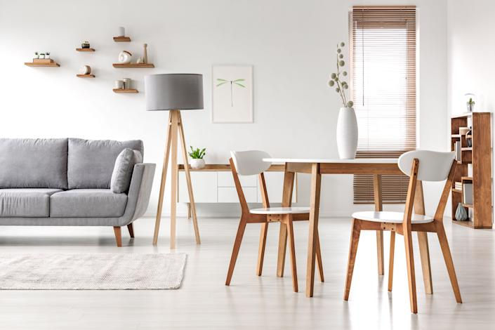 """We found Labor Day living room, bedroom and other furniture deals from retailers like <a href=""""https://fave.co/2KF9VLm"""" rel=""""nofollow noopener"""" target=""""_blank"""" data-ylk=""""slk:Wayfair"""" class=""""link rapid-noclick-resp"""">Wayfair</a>, <a href=""""https://fave.co/2Koq33G"""" rel=""""nofollow noopener"""" target=""""_blank"""" data-ylk=""""slk:AllModern"""" class=""""link rapid-noclick-resp"""">AllModern</a> and <a href=""""https://fave.co/2KENy8O"""" rel=""""nofollow noopener"""" target=""""_blank"""" data-ylk=""""slk:Joss &amp; Main"""" class=""""link rapid-noclick-resp"""">Joss &amp; Main</a>. (Photo: KatarzynaBialasiewicz via Getty Images)"""