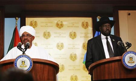 Sudan's President Bashir and his South Sudan counterpart Kiir address a joint news conference in Juba South Sudan