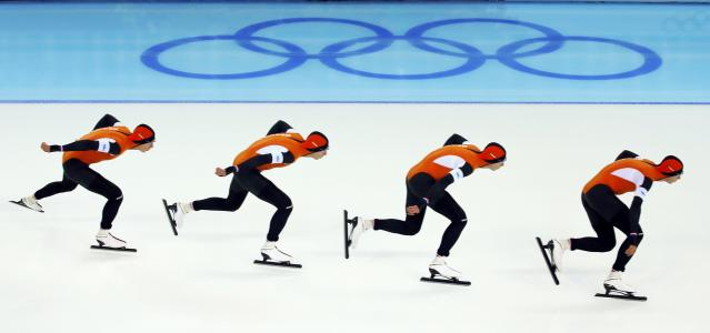 Jan Blokhuijsen of the Netherlands competes in the men's 5000 metres speed skating race during the 2014 Sochi Winter Olympics, February 8, 2014. Picture taken using multiple exposure function. REUTERS/Brian Snyder (RUSSIA - Tags: OLYMPICS SPORT SPEED SKATING)
