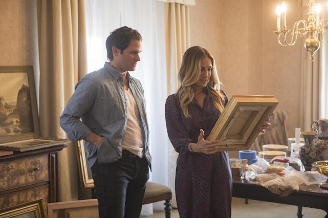 Steven Pasquale (Andrew) and Parker in <em>Divorce</em> (Photo: Craig Blankenhorn/HBO)