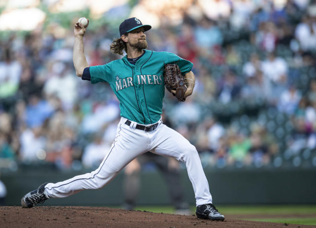 Seattle Mariners starter Mike Leake delivers a pitch during the first inning of the team's baseball game against the Los Angeles Angels, Friday, May 31, 2019, in Seattle. (AP Photo/Stephen Brashear)