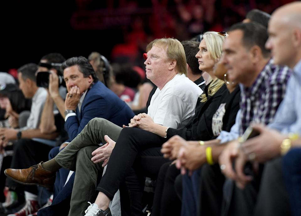 Mark Davis courtside.