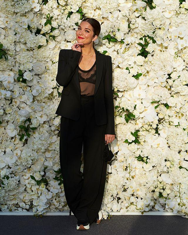 "<p>Annie Murphy surprised us by not serving ""a little bit Alexis."" Instead, she got far away from her <em>Schitt's Creek</em> characters party-deb looks with this sleek Valentino tux and sheer top. (Plus a comfy sneaker moment!)</p><p><a href=""https://www.instagram.com/p/CFYHAJ6FxOm/?utm_source=ig_embed"" rel=""nofollow noopener"" target=""_blank"" data-ylk=""slk:See the original post on Instagram"" class=""link rapid-noclick-resp"">See the original post on Instagram</a></p>"