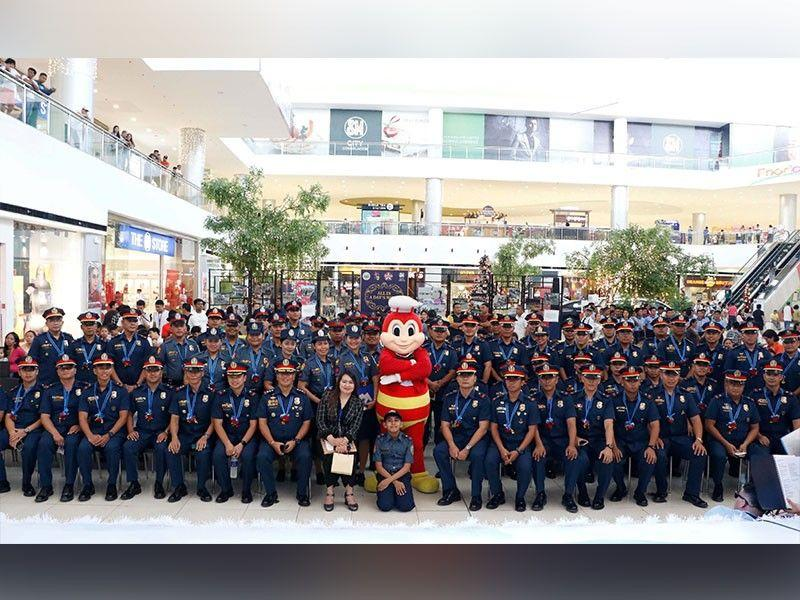 SM City Consolacion honors police officers