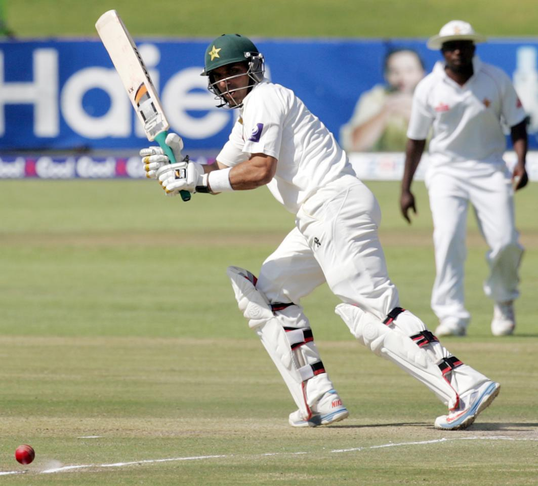Pakistan captain Misbah Ul Haq plays on September 5, 2013 during the third day of the first Test against Zimbabwe at the Harare Sports Club.                   AFP PHOTO / JEKESAI NJIKIZANA        (Photo credit should read JEKESAI NJIKIZANA/AFP/Getty Images)