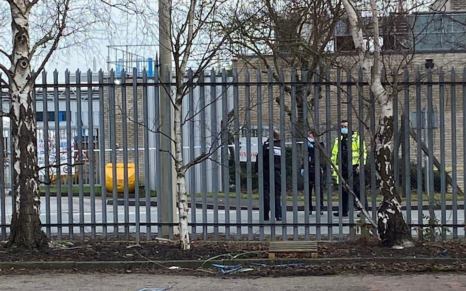 Bomb disposal team 'called to Oxford vaccine factory industrial estate' - Ian Hunter