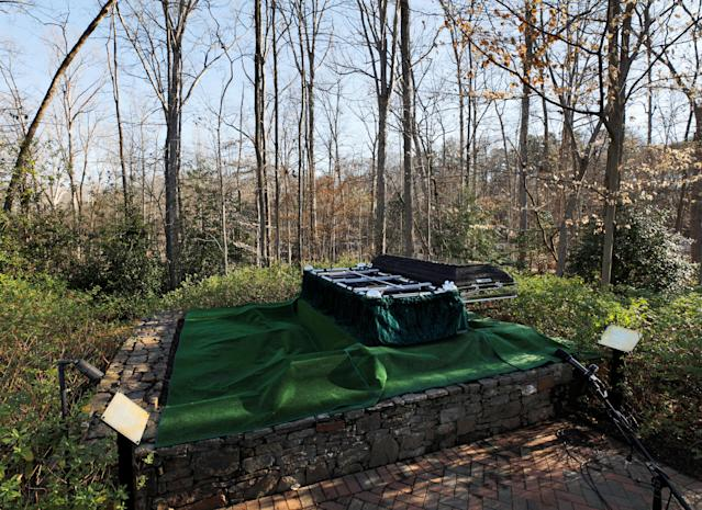 <p>The burial site for evangelist Billy Graham lies in wait for his casket before the start of his funeral at the Billy Graham Library in Charlotte, N.C., March 2, 2018. (Photo: Jonathan Drake/Reuters) </p>