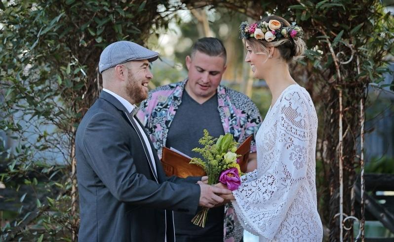 Couples say 'I do' to quickie weddings