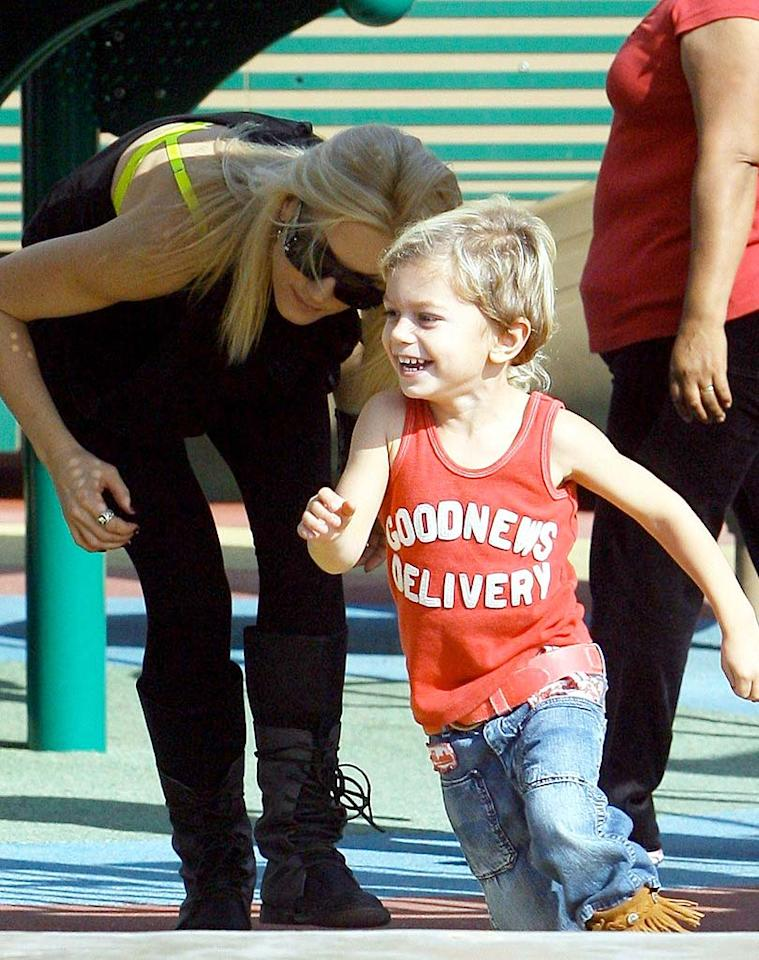 """Looks like the """"Sweet Escape"""" singer had trouble keeping up with her energetic 3-year-old son, Kingston! ICE/<a href=""""http://www.x17online.com"""" target=""""new"""">X17 Online</a> - November 7, 2009"""