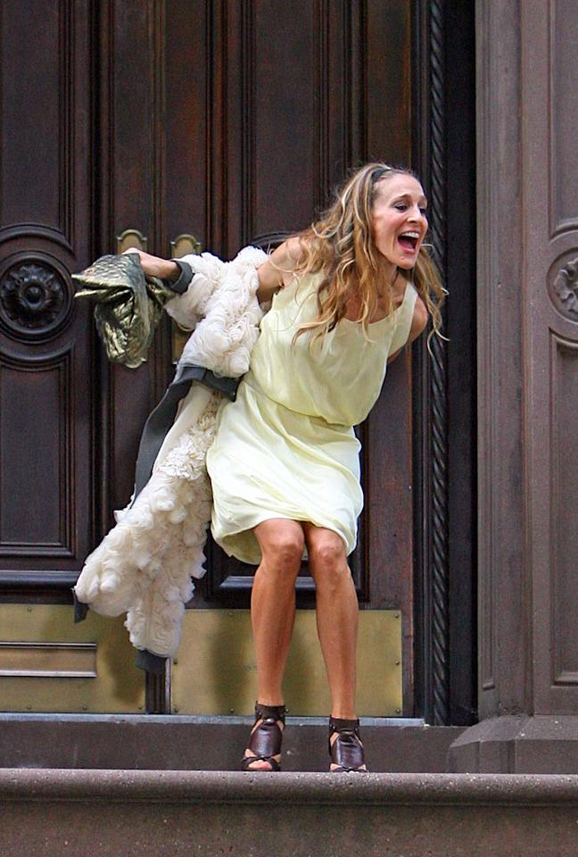 "Is Carrie screaming after Mr. Big? <a href=""http://www.infdaily.com"" target=""new"">INFDaily.com</a> - October 1, 2007"