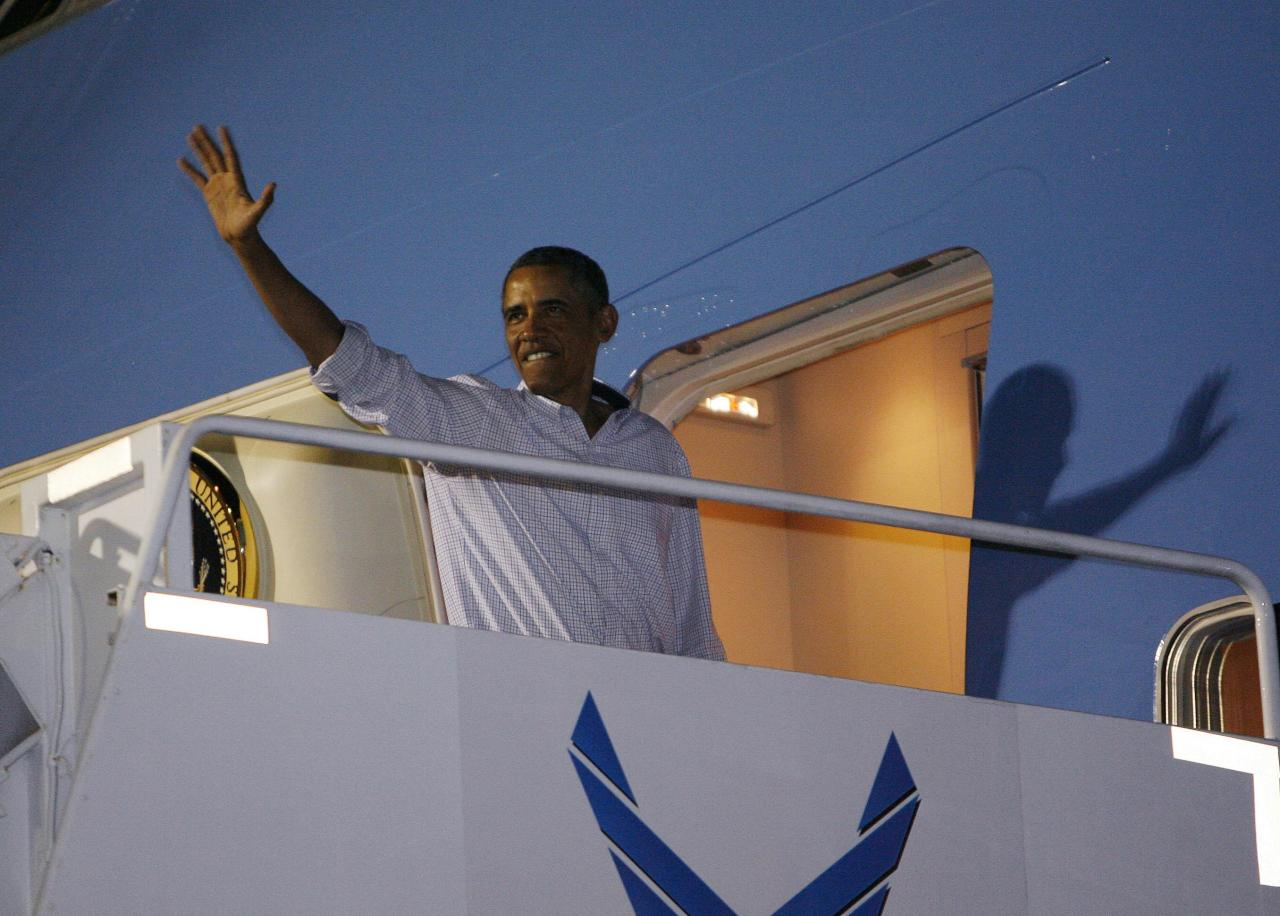 Obama Returns Home After Hawaii Vacation
