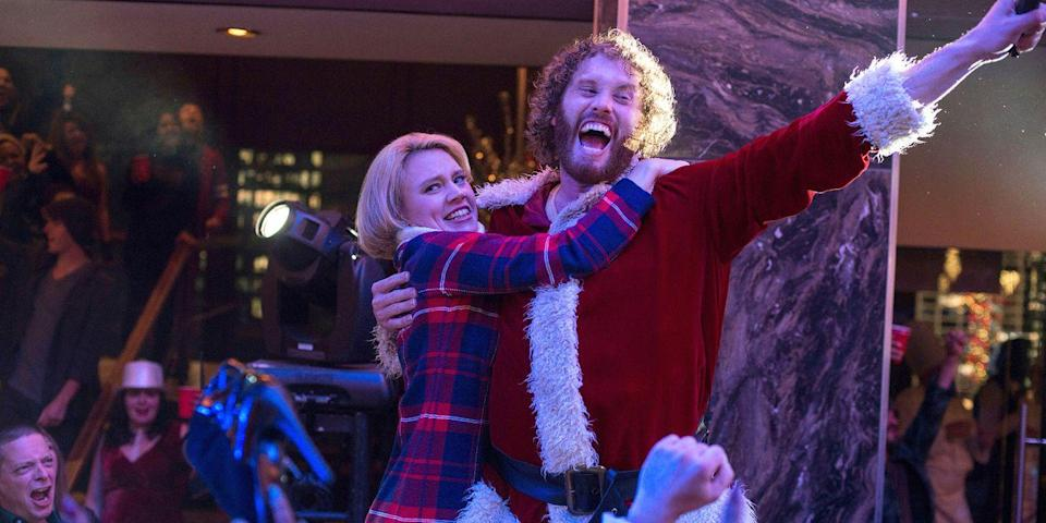 "<p>Jason Bateman, Olivia Munn, Jennifer Aniston, Kate McKinnon, and many, many more familiar faces have a merry lowbrow Christmas in this wild ride from the <em>Blades of Glory</em> directors. Josh Gordon and Will Speck's comedy about an office-place holiday rager that gets out of hand includes drinking, drugs, and DJ Kool. <a class=""link rapid-noclick-resp"" href=""https://www.amazon.com/dp/B01MSW0HJ5?tag=syn-yahoo-20&ascsubtag=%5Bartid%7C10056.g.13152053%5Bsrc%7Cyahoo-us"" rel=""nofollow noopener"" target=""_blank"" data-ylk=""slk:Watch Now"">Watch Now</a><br></p>"