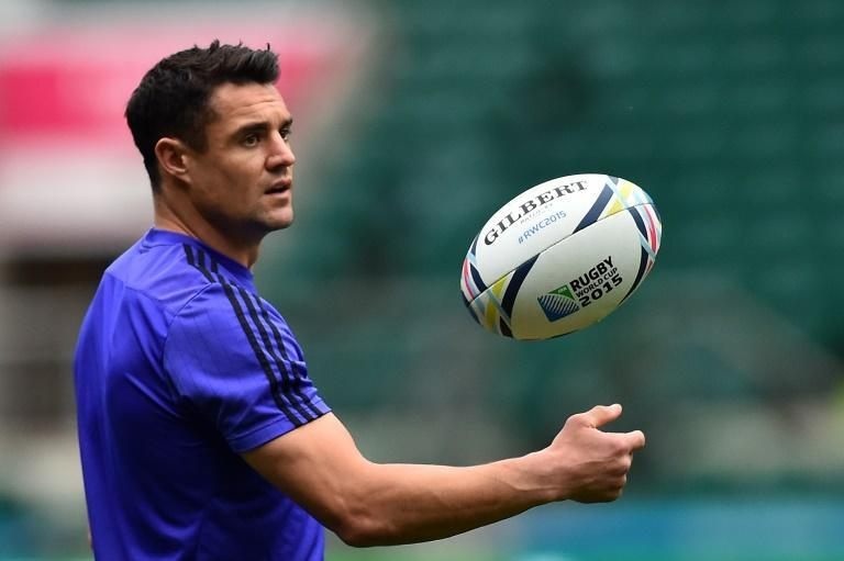 All Blacks fly-half Dan Carter attends a kicker's training session on October 30, 2015, at London's Twickenham Stadium on the eve of the Rugby Union World Cup 2015 final between Australia and New Zealand