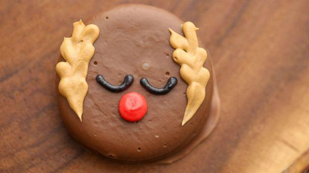 PHOTO: Reindeer peanut butter cracker cookies by Jenny Cookies are a festive holiday treat. (ABC News)