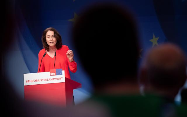 HYJ00. Berlin (Germany), 23/03/2019.- Minister of Justice and Consumer Protection Katarina Barley speaks during the Party Convention for the European election campaign at the BCC - Berlin Congress Center in Berlin, Germany, 23 March 2019. The main topic of the party convention is the SPD election program for the European elections on 26 May. (Elecciones, Alemania) EFE/EPA/HAYOUNG JEON