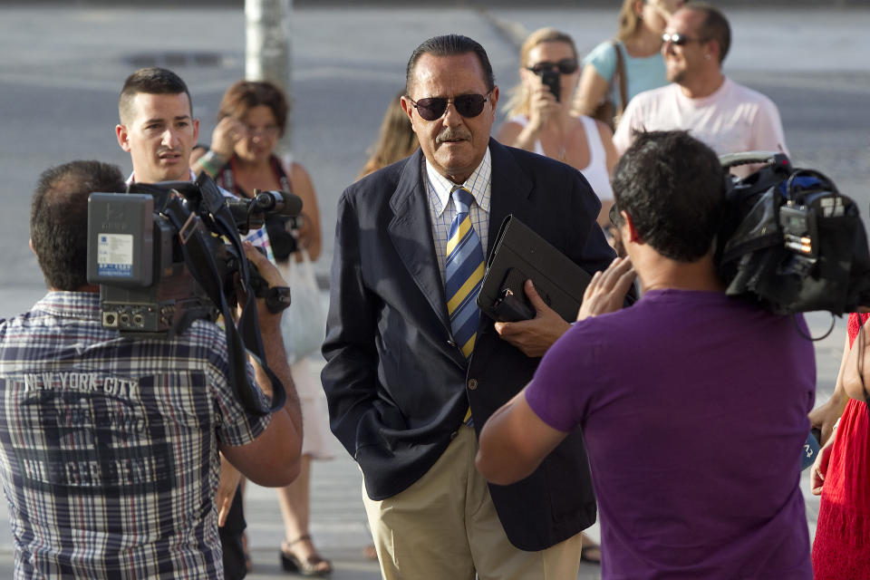 MALAGA, SPAIN - JUNE 29:  Ex major of Marbella Julian Munoz arrives at the Malaga court on the second day of the trial for alleged money-laundering and embezzlement on June 29, 2012 in Malaga, Spain. The 2006 scandal has put nearly 100 people on trial for alleged involvement in bribes to city officials by property developers for planning permissions.  (Photo by Daniel Perez Garcia-Santos/Getty Images)