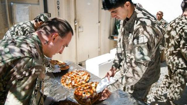 21,000 Pizzas Sent to U.S. Military for Super Bowl
