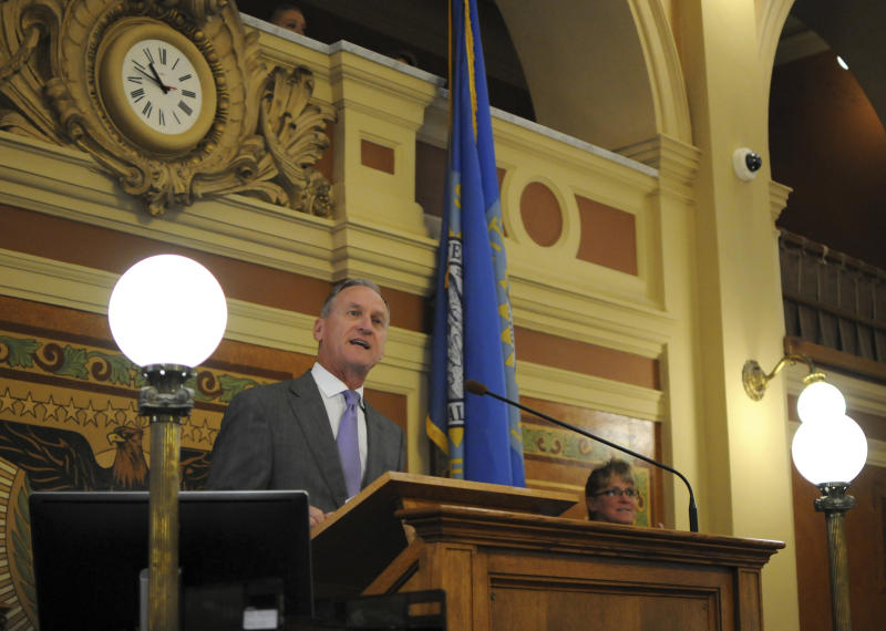 South Dakota to start collecting online sales taxes in fall