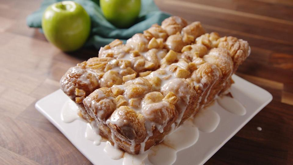 """<p>Gooey doesn't even begin to describe it.<br></p><p>Get the recipe from <a href=""""https://www.countryliving.com/cooking/recipe-ideas/recipes/a49722/apple-fritter-monkey-bread-recipe/"""" rel=""""nofollow noopener"""" target=""""_blank"""" data-ylk=""""slk:Delish"""" class=""""link rapid-noclick-resp"""">Delish</a>.</p>"""