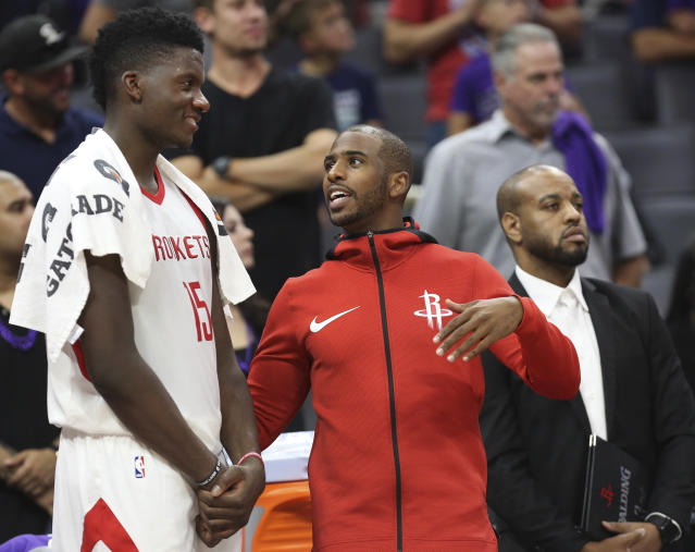 """<a class=""""link rapid-noclick-resp"""" href=""""/nba/players/3930/"""" data-ylk=""""slk:Chris Paul"""">Chris Paul</a> could be wearing warmups for longer than the <a class=""""link rapid-noclick-resp"""" href=""""/nba/teams/hou/"""" data-ylk=""""slk:Houston Rockets"""">Houston Rockets</a> expected. (AP)"""