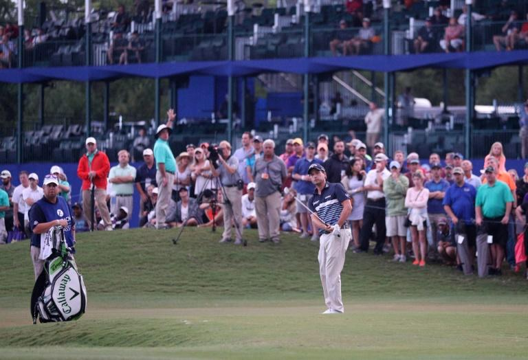 Kevin Kisner putts for eagle on the 18th hole during the final round of the Zurich Classic of New Orleans