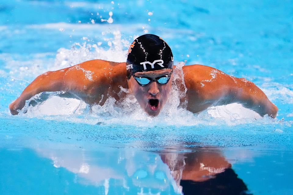Ryan Lochte swims during the 2021 U.S. Olympic Trials.