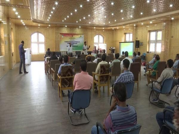 Artisans attend training on packaging of products in Srinagar (Photo/ANI)