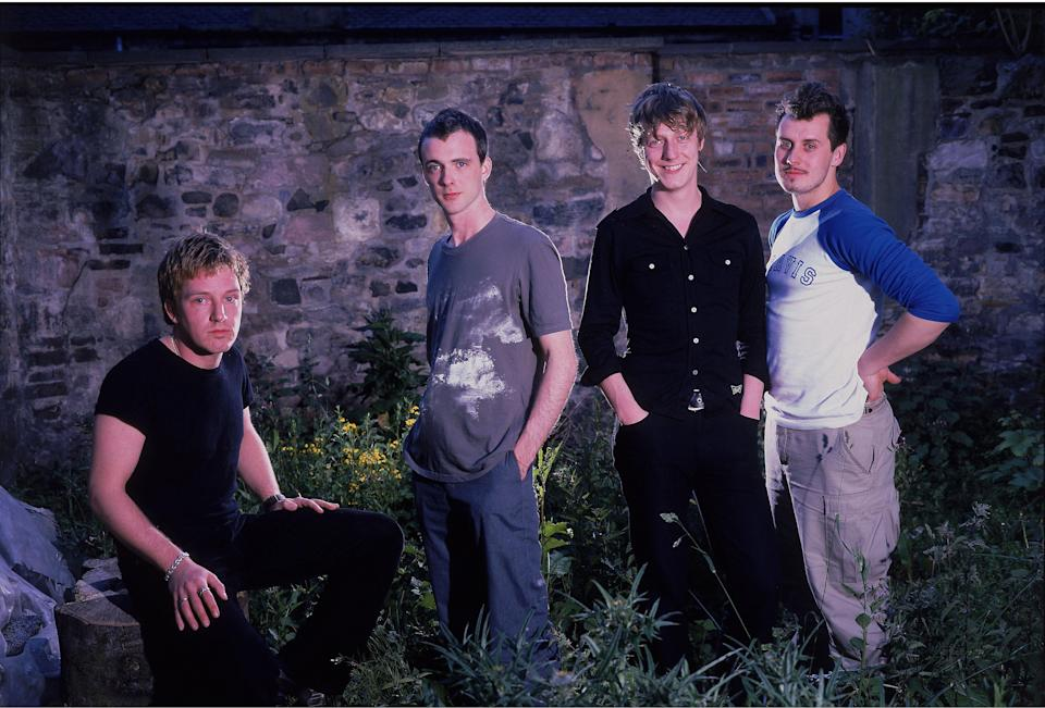 UNSPECIFIED - JANUARY 01:  Photo of TRAVIS and Andy DUNLOP and Fran HEALY and Dougie PAYNE and Neil PRIMROSE; L-R: Andy Dunlop, Fran Healy, Dougie Payne, Neil Primrose - posed, group shot  (Photo by Mick Hutson/Redferns)