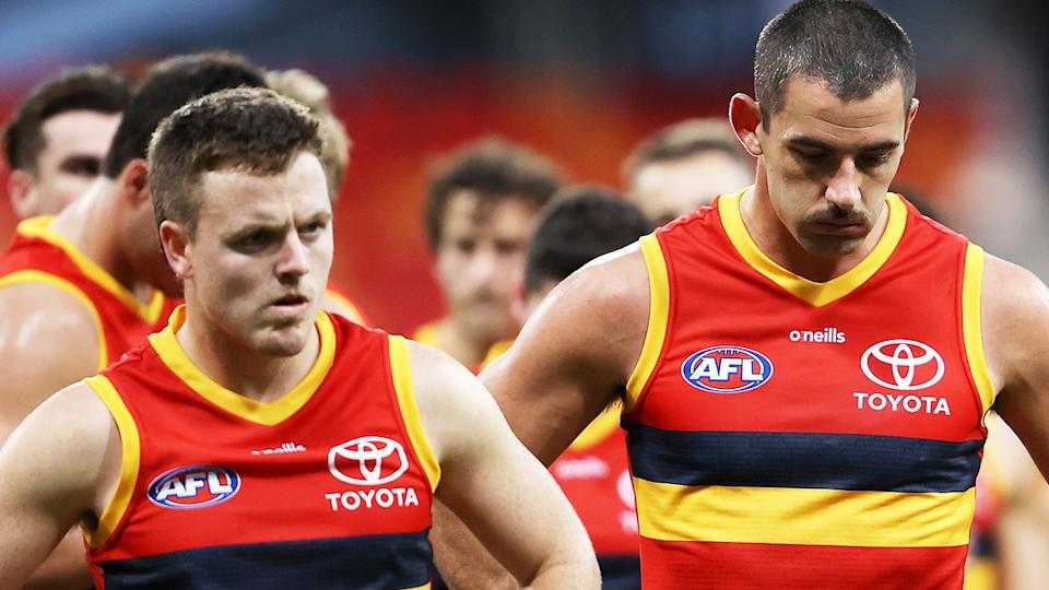 The Crows will be investigated over a tip-off players and staff were not correctly wearing masks on a recent interstate flight.