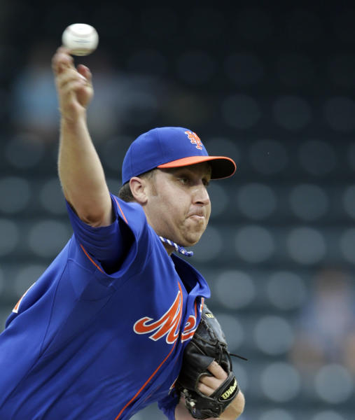 New York Mets starting pitcher Aaron Harang delivers in the first inning of a baseball game against the Washington Nationals Thursday, Sept. 12, 2013, in New York. (AP Photo/Kathy Willens)
