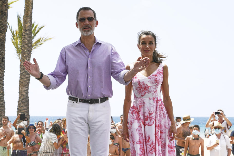 BENIDORM, SPAIN - JULY 03: King Felipe VI of Spain and Queen Letizia of Spain walk through the seafront of Levante's beach on July 03, 2020 in Benidorm, Spain. This trip is part of a royal tour that will take King Felipe and Queen Letizia through several Spanish Autonomous Communities with the objective of supporting economic, social and cultural activity after the Coronavirus outbreak. (Photo by Carlos R. Alvarez/WireImage)
