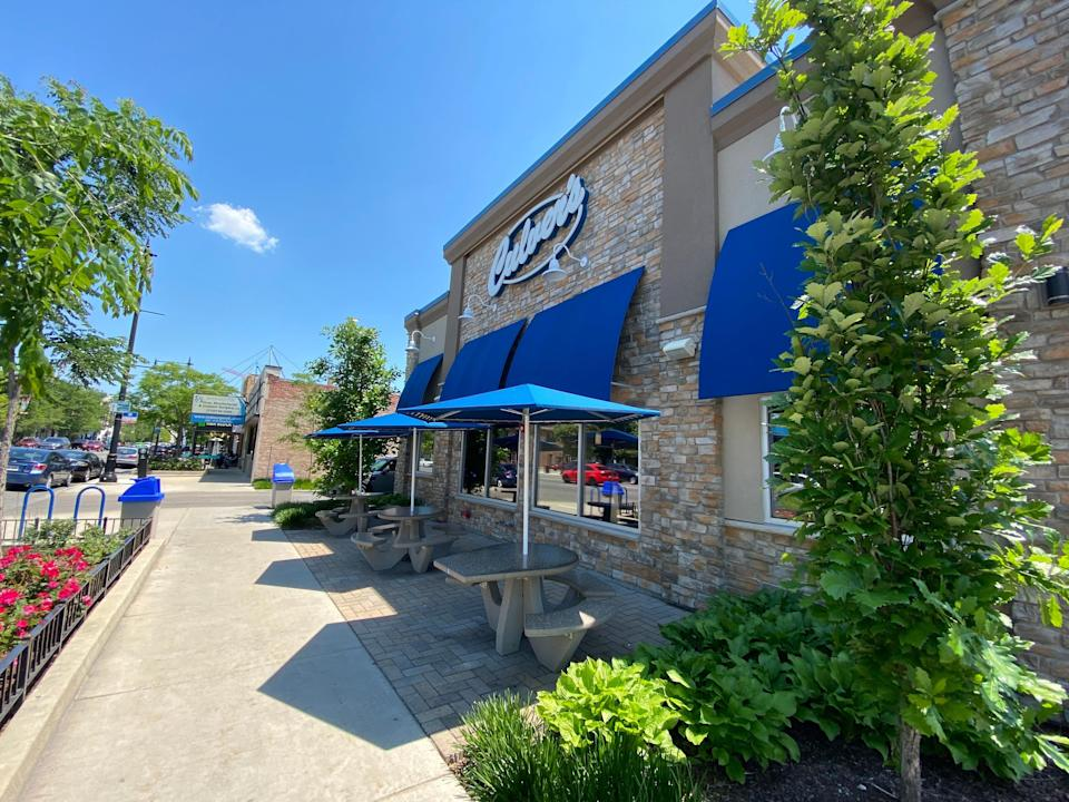 Culver's exterior in Chicago with seating area