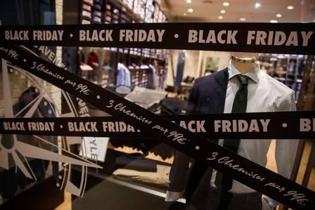 85902682_A picture shows signs price markdown signs for Black Friday sales in a shop in Caen northwe.jpg
