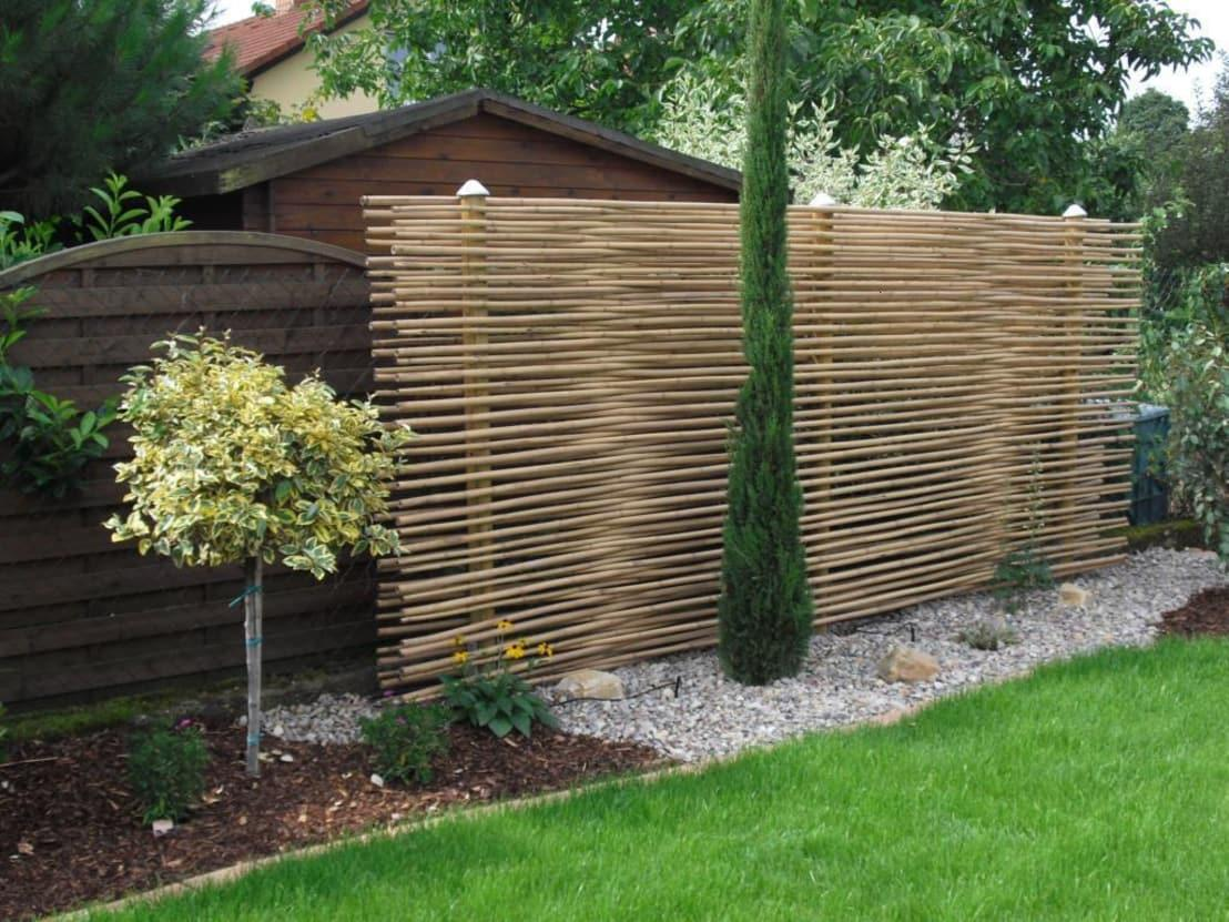 <p>We all need privacy in our gardens, but solid walls can be a little cumbersome, so always try to look for more natural solutions. Bamboo screening, as seen here, can be an absolutely perfect option, as it looks great, doesn't block out too much light and has such a natural feel.</p>  Credits: homify / GH Product Solutions