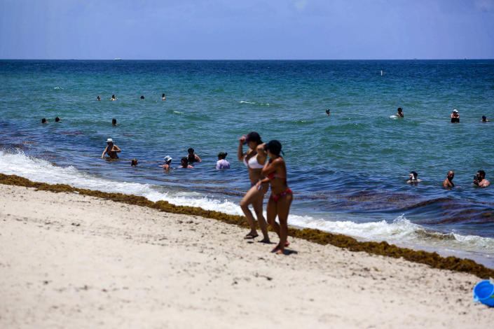 People at the beach in Fort Lauderdale, Fla., on Thursday, June 25, 2020. (Saul Martinez/The New York Times)